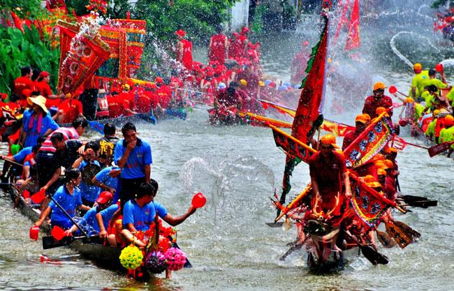 китай праздник драконьих лодок в китае